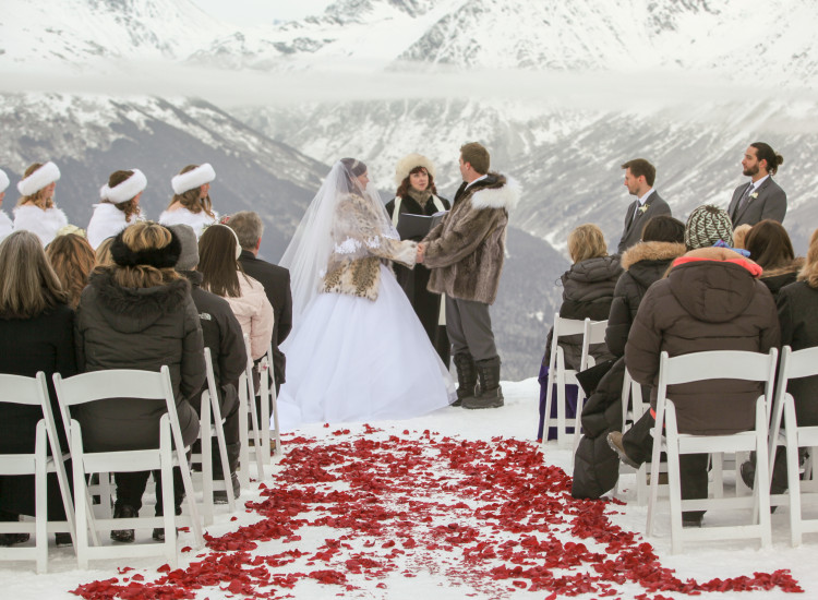 The Top 5 Reasons to Have a Winter Wedding